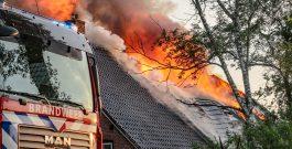 Flinke rookontwikkeling bij brand in Boerderij Peize